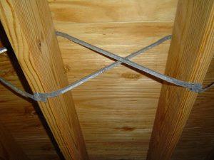 Floor joist cross bracing
