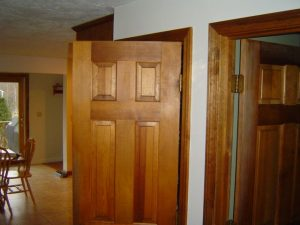 Tips on buying interior doors.
