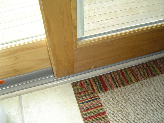 Sliding Glass Door Bottom Track 640 x 480
