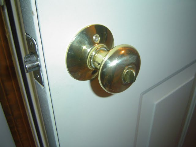 replacing an exterior door handle door knob
