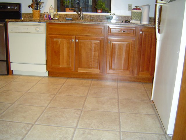 Brilliant Laminate Flooring for Kitchen Floors 640 x 480 · 53 kB · jpeg