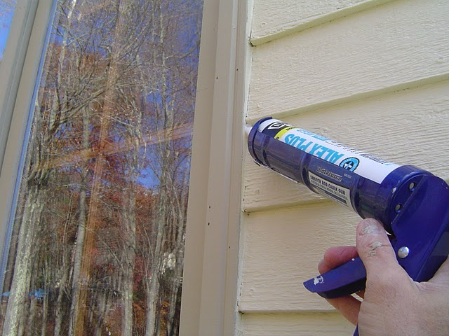 Removing old exterior caulk for Window caulking